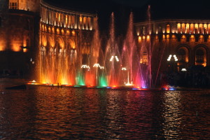 Dancing_Fountains_in_Republic_Square,_Yerevan,_Armenia