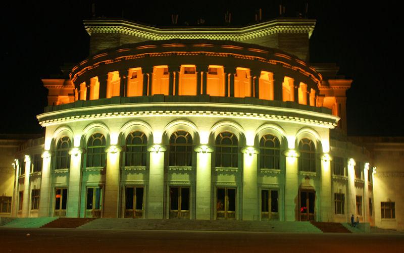 Театр оперы и балета в Ереване начинает 85-й юбилейный сезон двумя премьерами