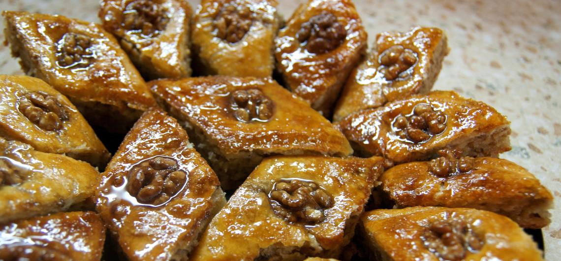 Armenian cuisine tolma khash khorovats harisa khashlama for Armenian cuisine history