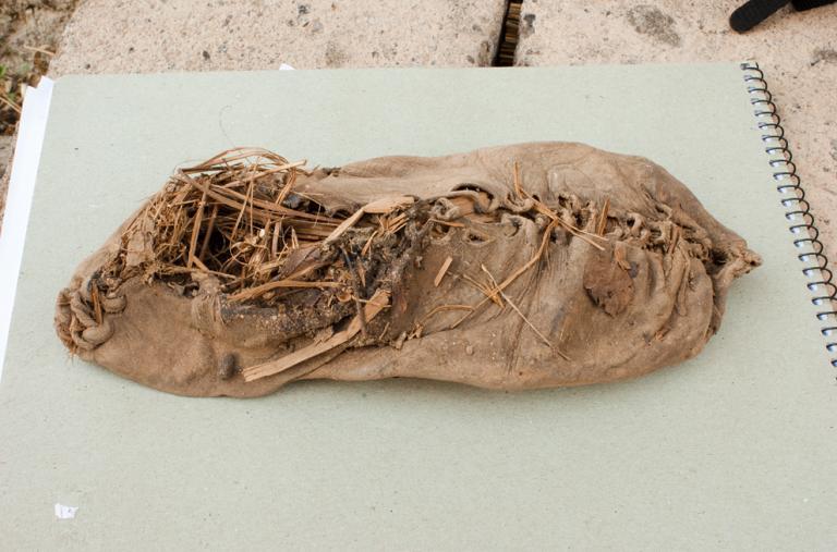 El zapato de cuero más antiguo del mundo fue excavado en Armenia