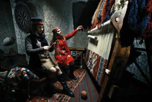 weaving-armenian-carpets
