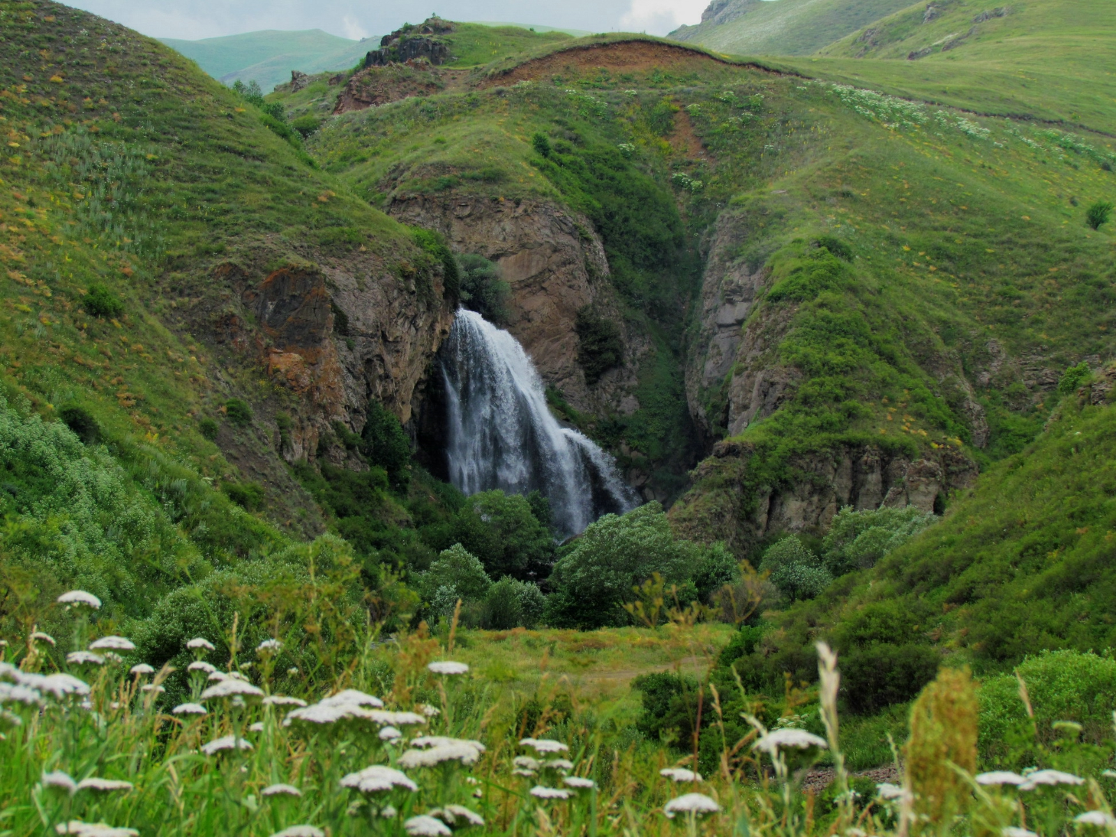 "Trchkan waterfall – the ""Armenian Niagara"""